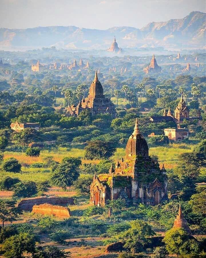 Bagan, Burma. Myanmar.  Photo by Seçkin Yılmaz