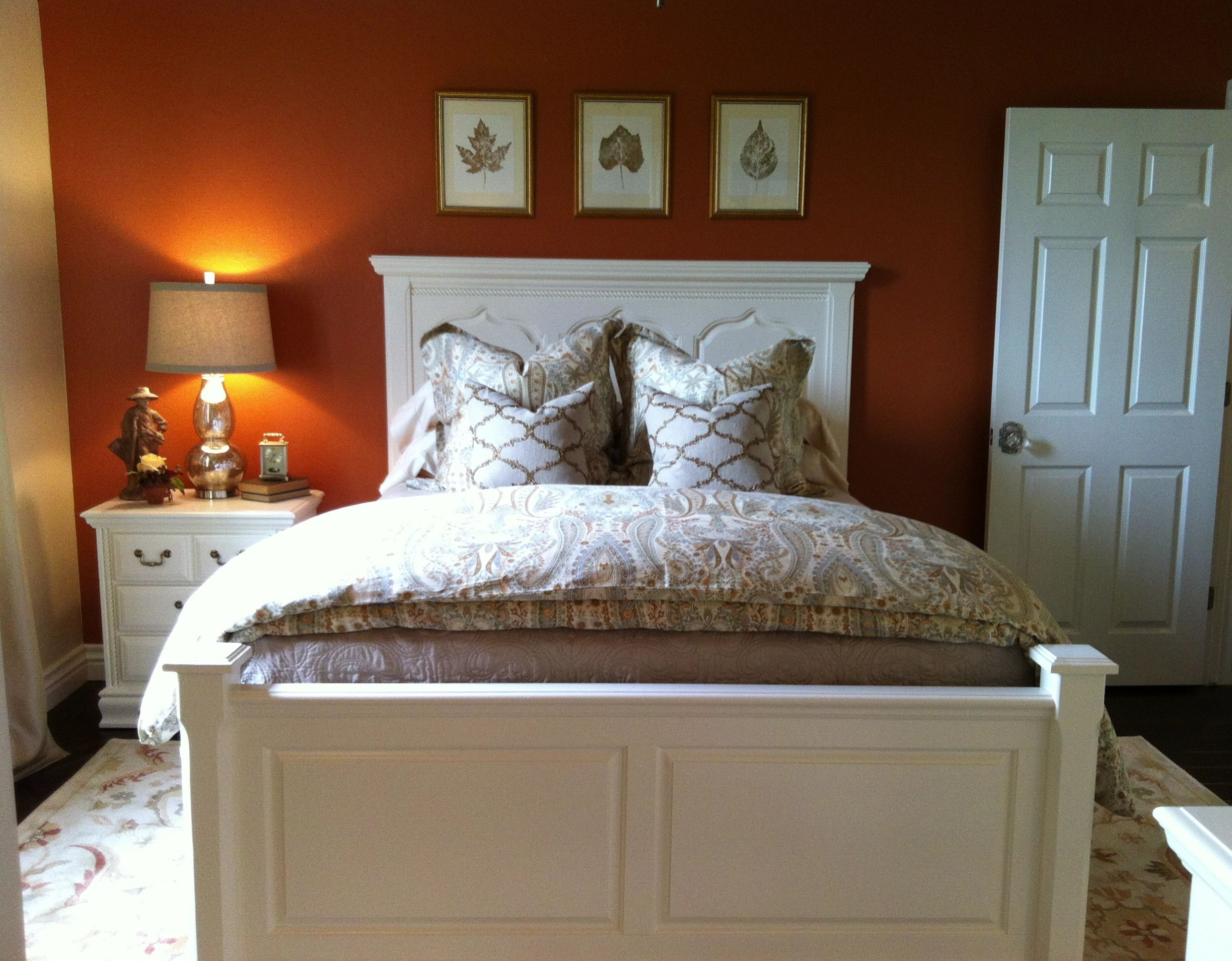 burnt orange, cream, and taupe as my palette. I wanted it
