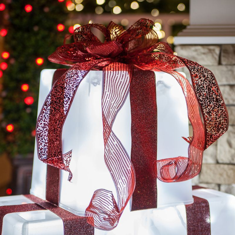 Plastic Container Lighted Gift Box Plastic containers, Diy light - christmas decorations diy