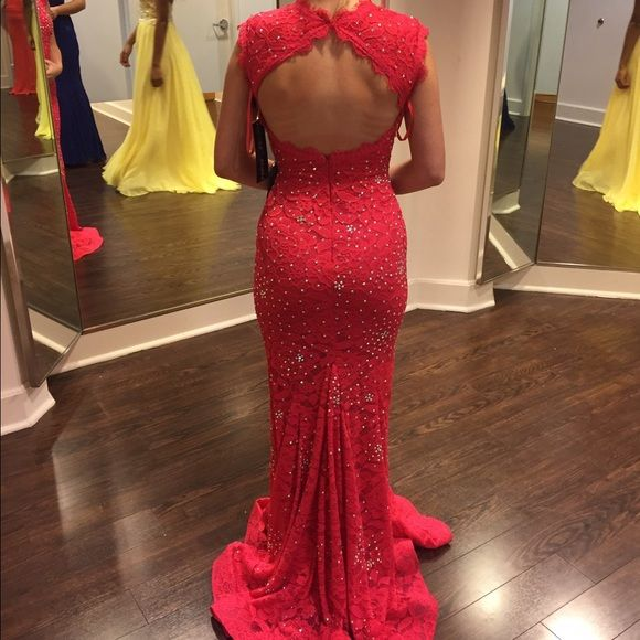 prom dress brand new, never worn. size 00 and has tags attached bought it at Group USA for $280 Betsy & Adam Dresses Prom