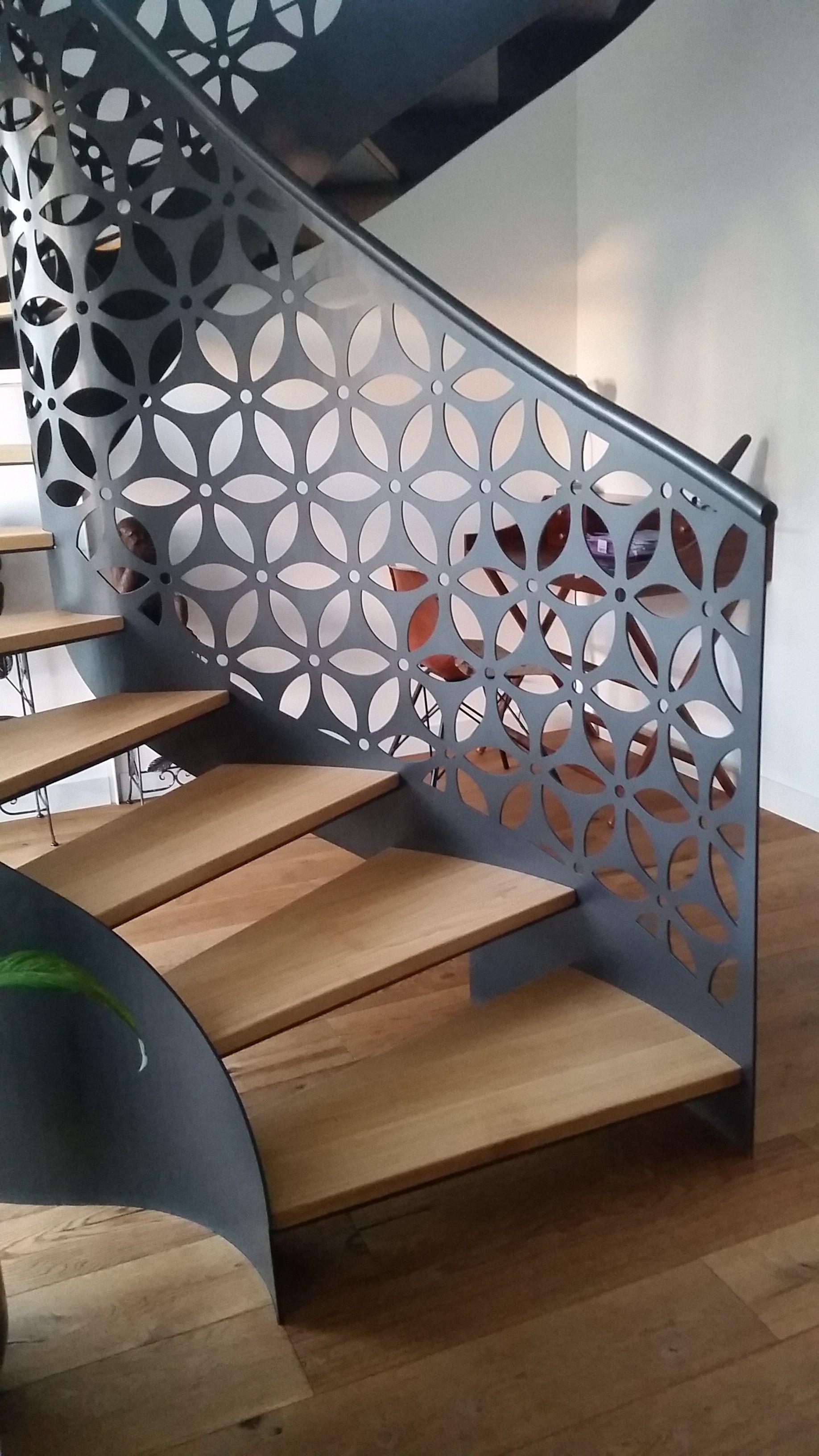 d coupe laser de garde corps d 39 escalier escaliers. Black Bedroom Furniture Sets. Home Design Ideas
