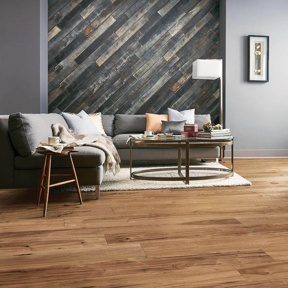 Bruce Revolutionary Rustics Hickory Natural 1 2 In T X 7 1 2 In W X Varying L Engineered Hardwood Flooring 25 7 Sq Ft Eahhd75l401 The Home Depot Engineered Hardwood Flooring Engineered Hardwood House Flooring