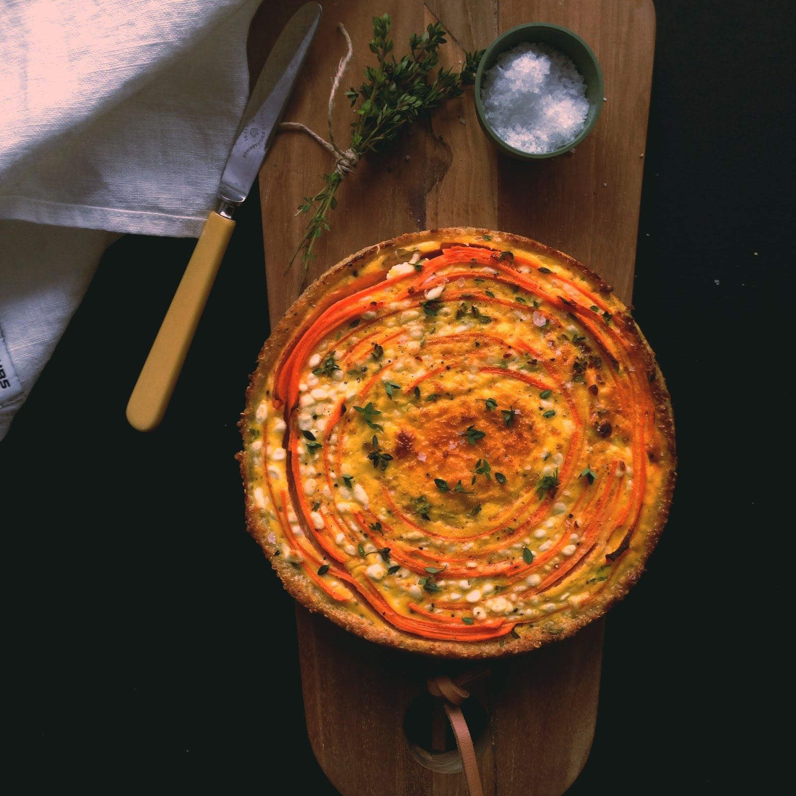 Kødfri mandag: Gulerodstærte på quinoabund