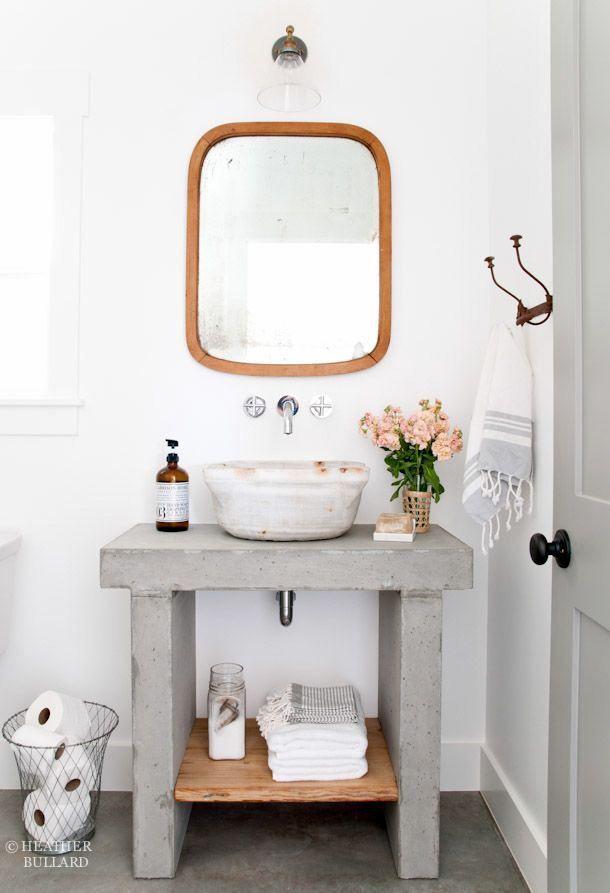 Un Meuble Salle De Bains Pas Cher DIY En Ciment Et Vasque Blanc Petit