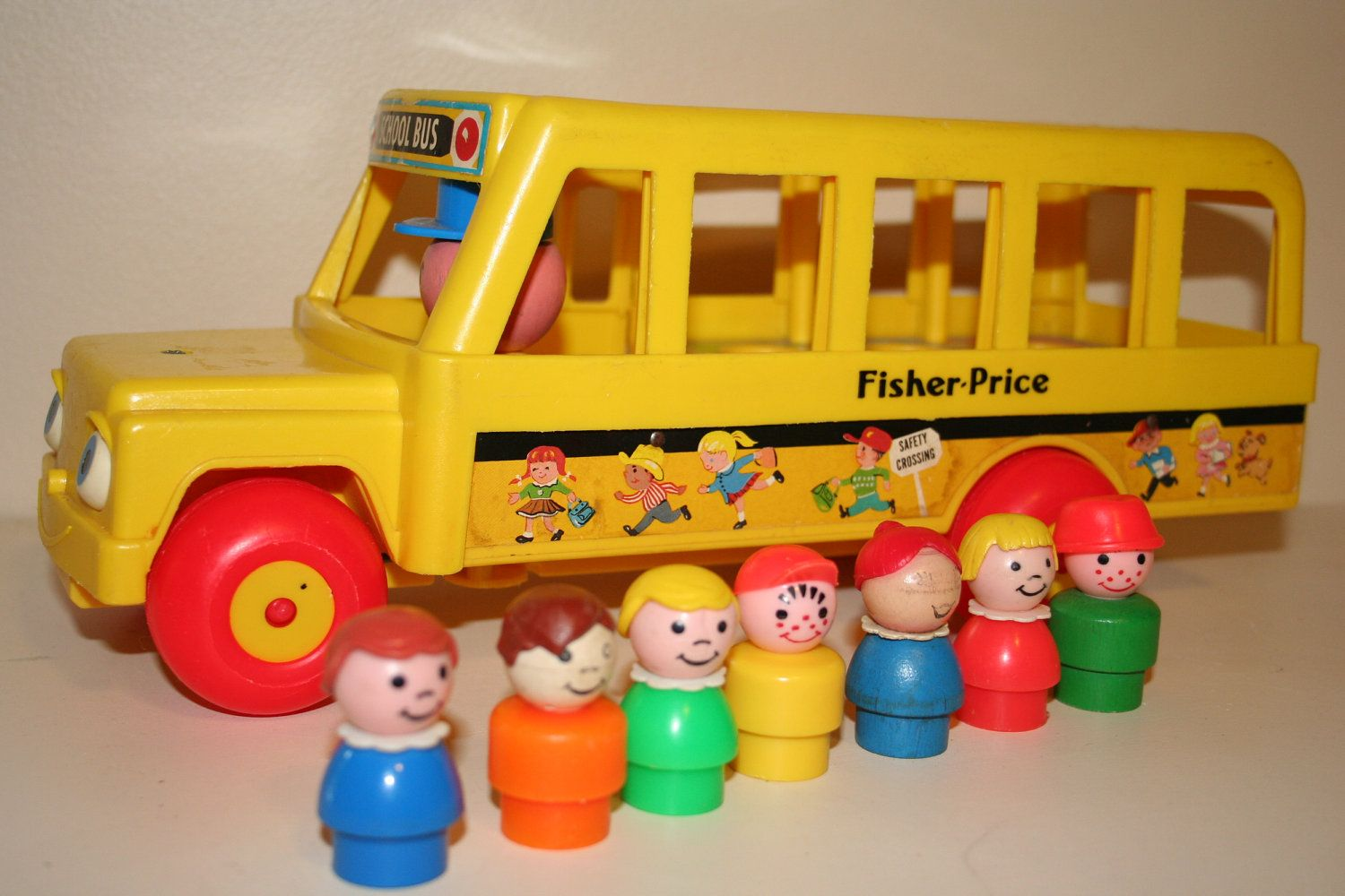 Vintage Fisher Price School Bus and Little People | School buses ...