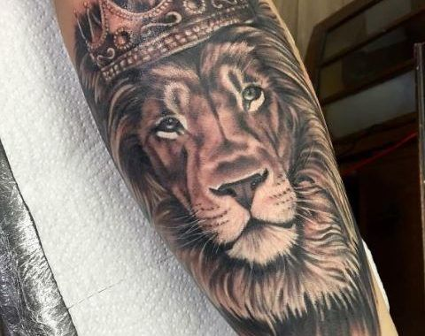 150 Images Of King Tattoos For Men 2020 Designs With Crown