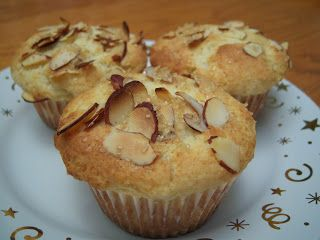 The Delicious Cook: Lemon Ricotta Muffins