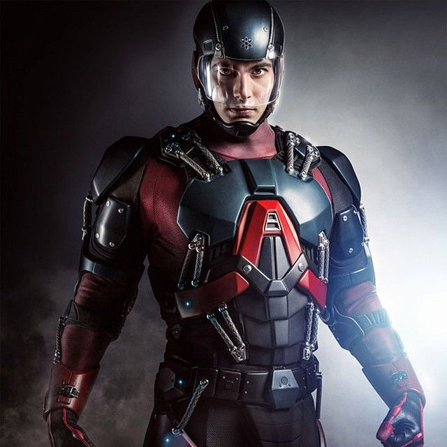 Dc Yep thats Brandon Routh in his full Atom suit Its coming soon to but  bedava
