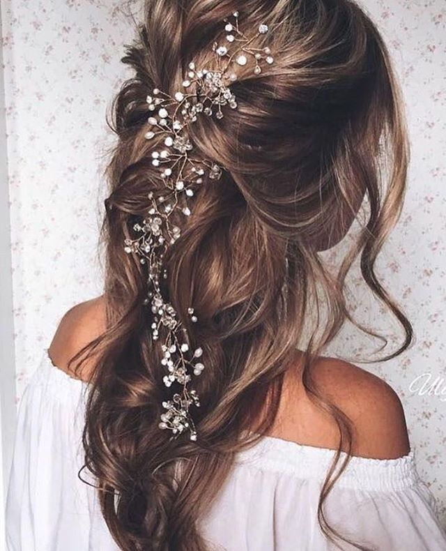 A Beautiful Hair Inspo For The Nature Vibed Bride Would You Go For