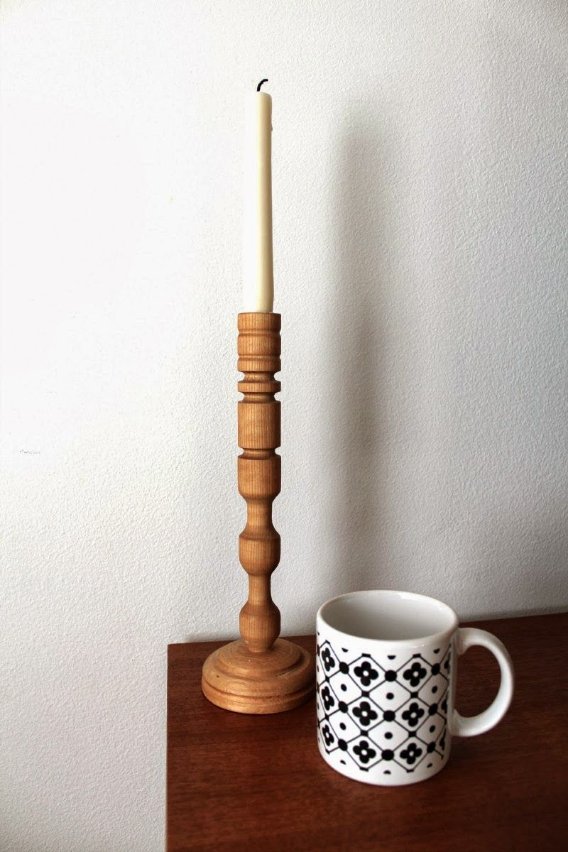 Wooden candle holder 1 €