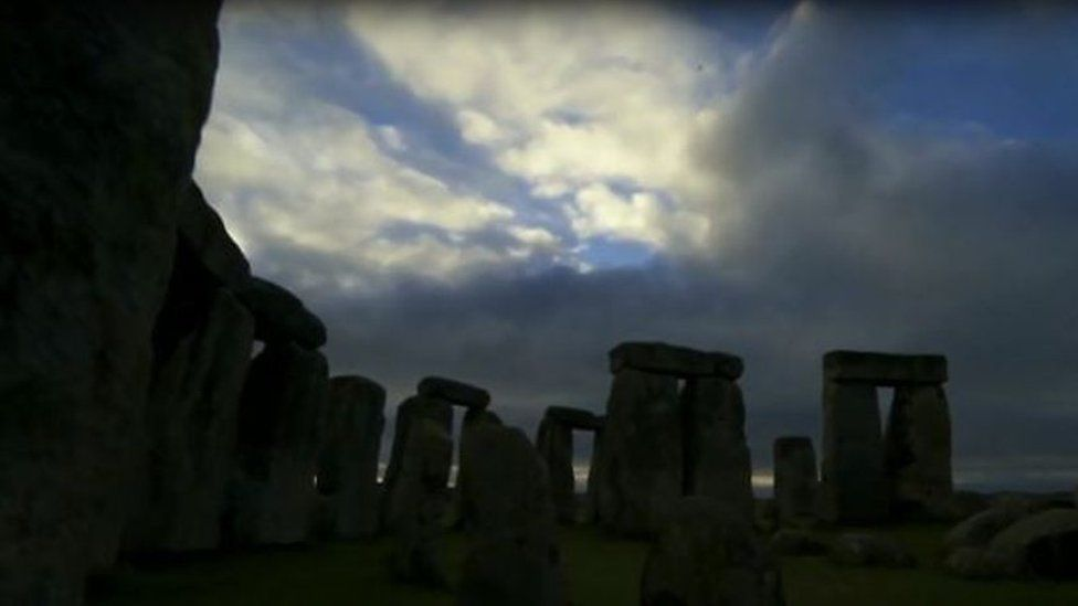Scientists have recreated the sounds of Stonehenge from 3,000 years ago using virtual reality.