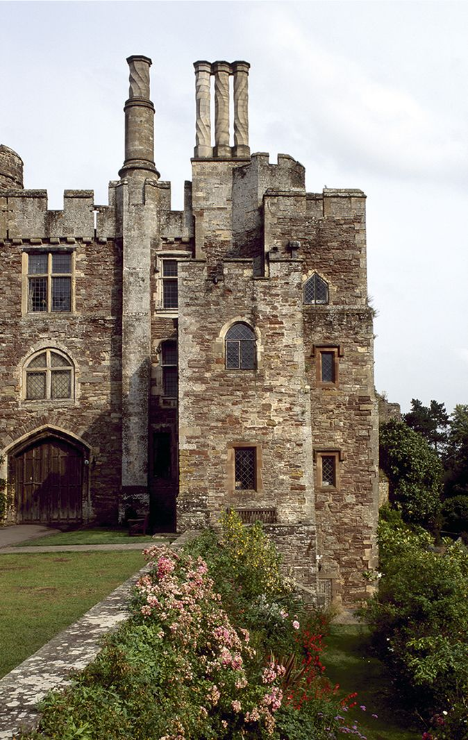 Berkeley Castle Gloucestershire Origins 11th Century Same Family
