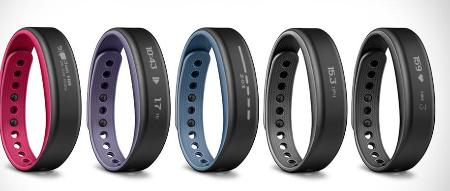 Tout comme le bracelet vívofit®, le principe de vívosmart mis sur le marché par Garmin, est d'encourager son utilisateur à adopter un style de vie plus actif en lui proposant des objectifs quotidiens personnalisés. L'écran tactile affiche l'heure, l'objectif...