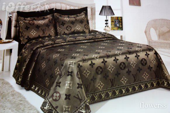 مفروشات سرير ماركة فرزاتشى منتدى فتكات Designer Bed Sheets Bed Linens Luxury Bed Spreads