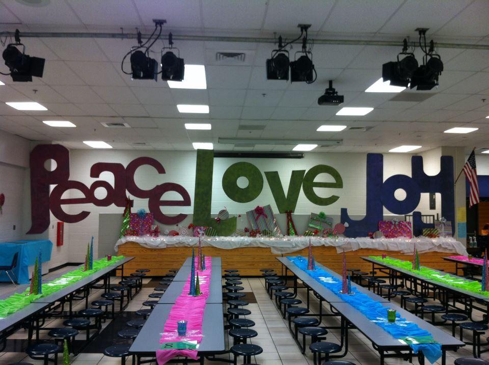 school cafeteria design | School Cafeteria Holiday Decor ...