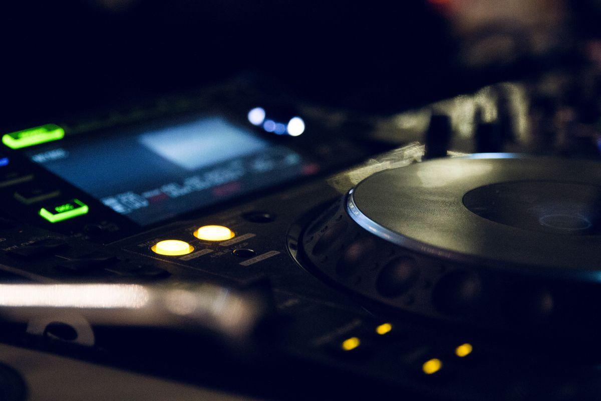 Samples, algunos aspectos sobre su uso. El uso de esta técnica abre un debate sobre cómo se debe llevar a cabo su proceso. #Alterciclo #Blog #música #EDM