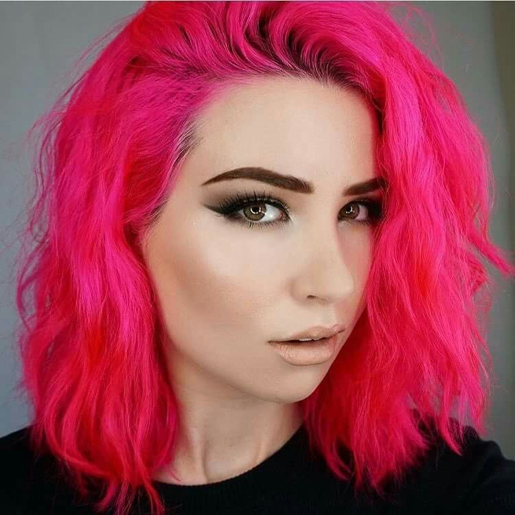 oVertone extreme pink Hot pink hair, Edgy hair, Bright