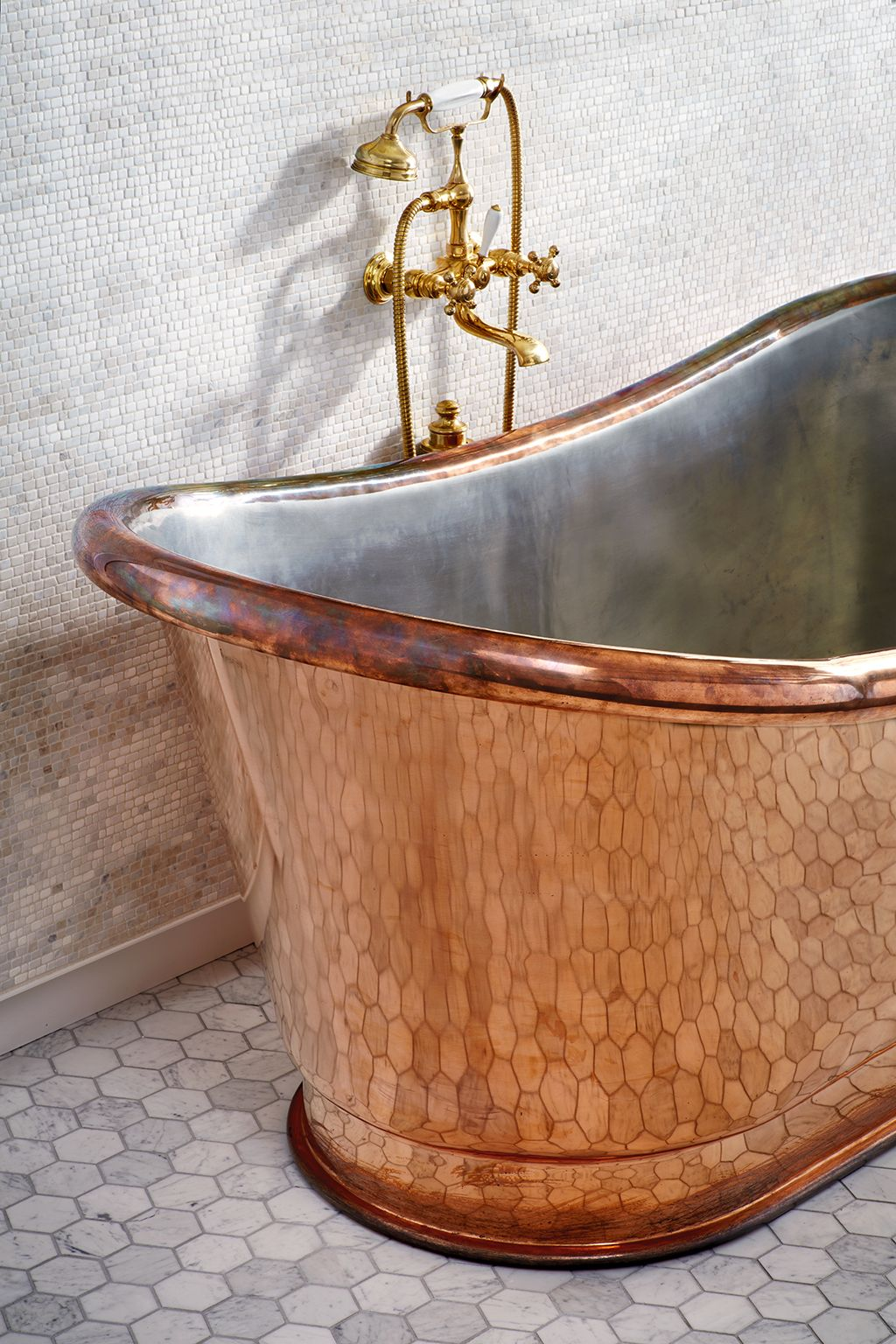 Clothilde 70 X 33 X 29 Freestanding Oval Copper Bathtub Diy Bathroom Remodel Affordable Bathroom Remodel Copper Tub