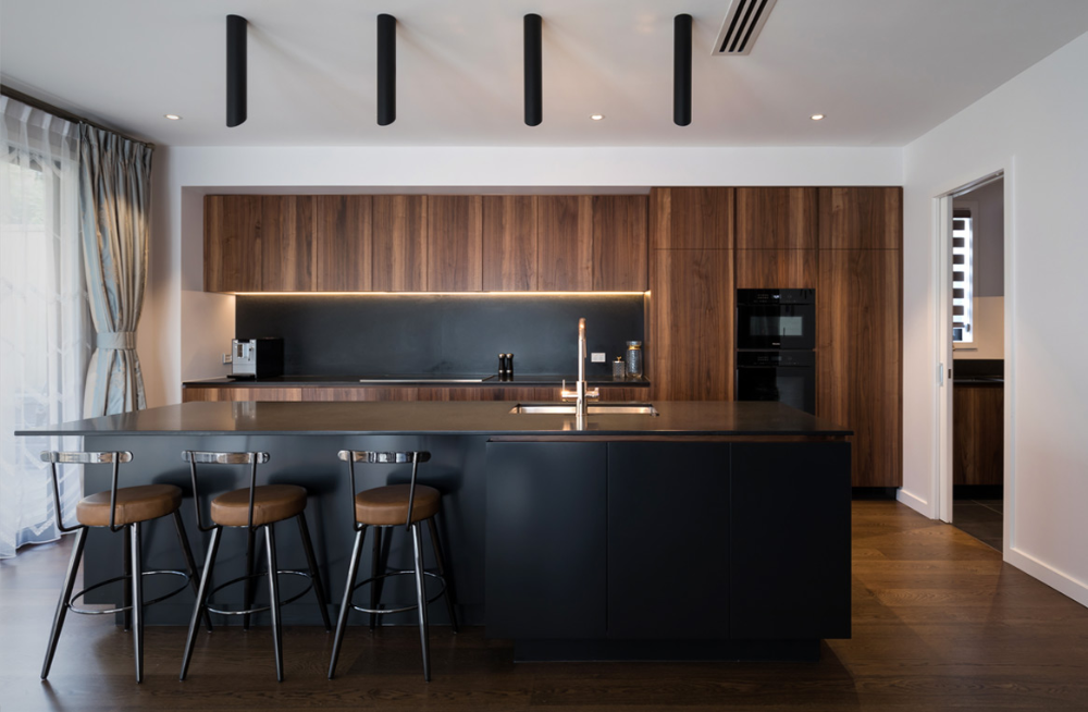 Stunning Walnut And Black Kitchen Neo Design Modern Kitchen Cabinet Design Modern Black Kitchen Kitchen Design