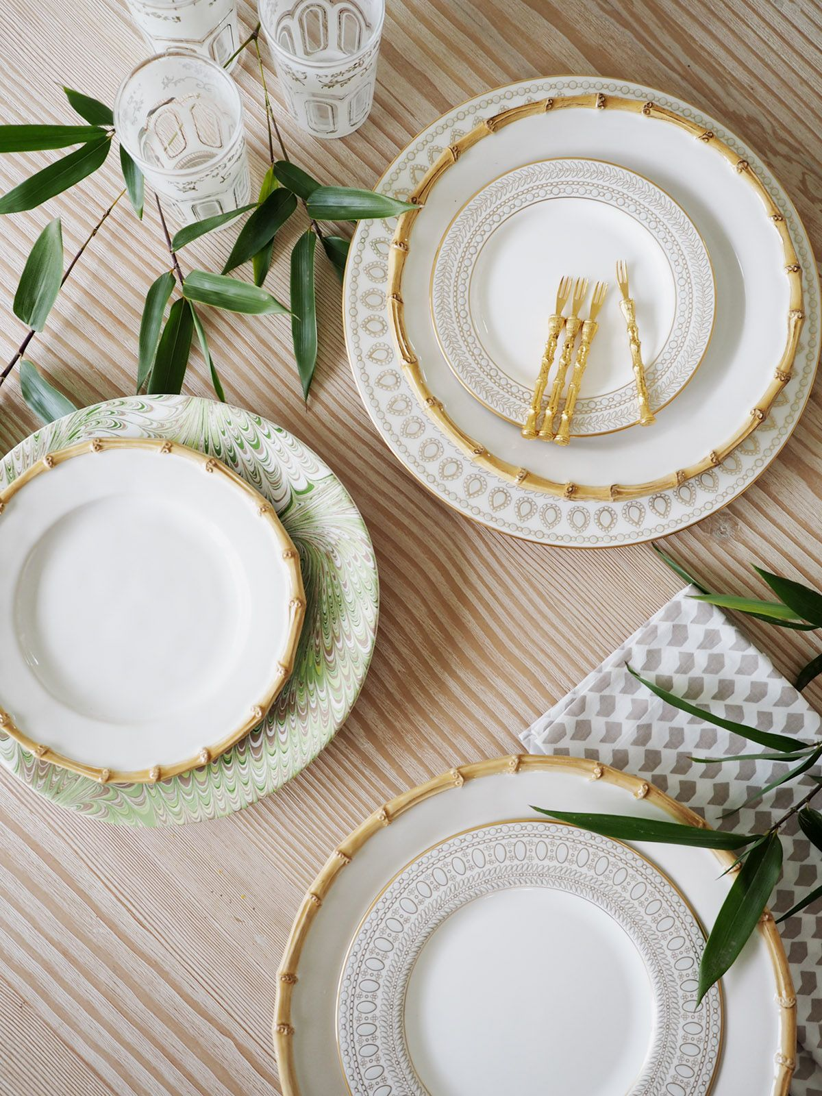 How To Mix N Match China For A Modern Registry Coco Kelley Unique Table Settings Table Settings Entertaining Tablescapes Mix and match dinnerware sets