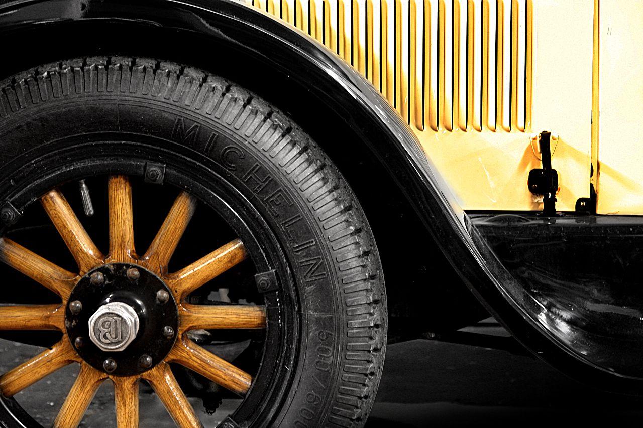 Dodge Coupe. 1924. Myllyn vanhat autot. Ylämylly. Kuva: Kimmo Taskinen / HS. Automuotoilusta kiinnostuneille tarjolla on pieni, mutta näyttävä otos suomalaisten autoharrastajien kokoelmista.