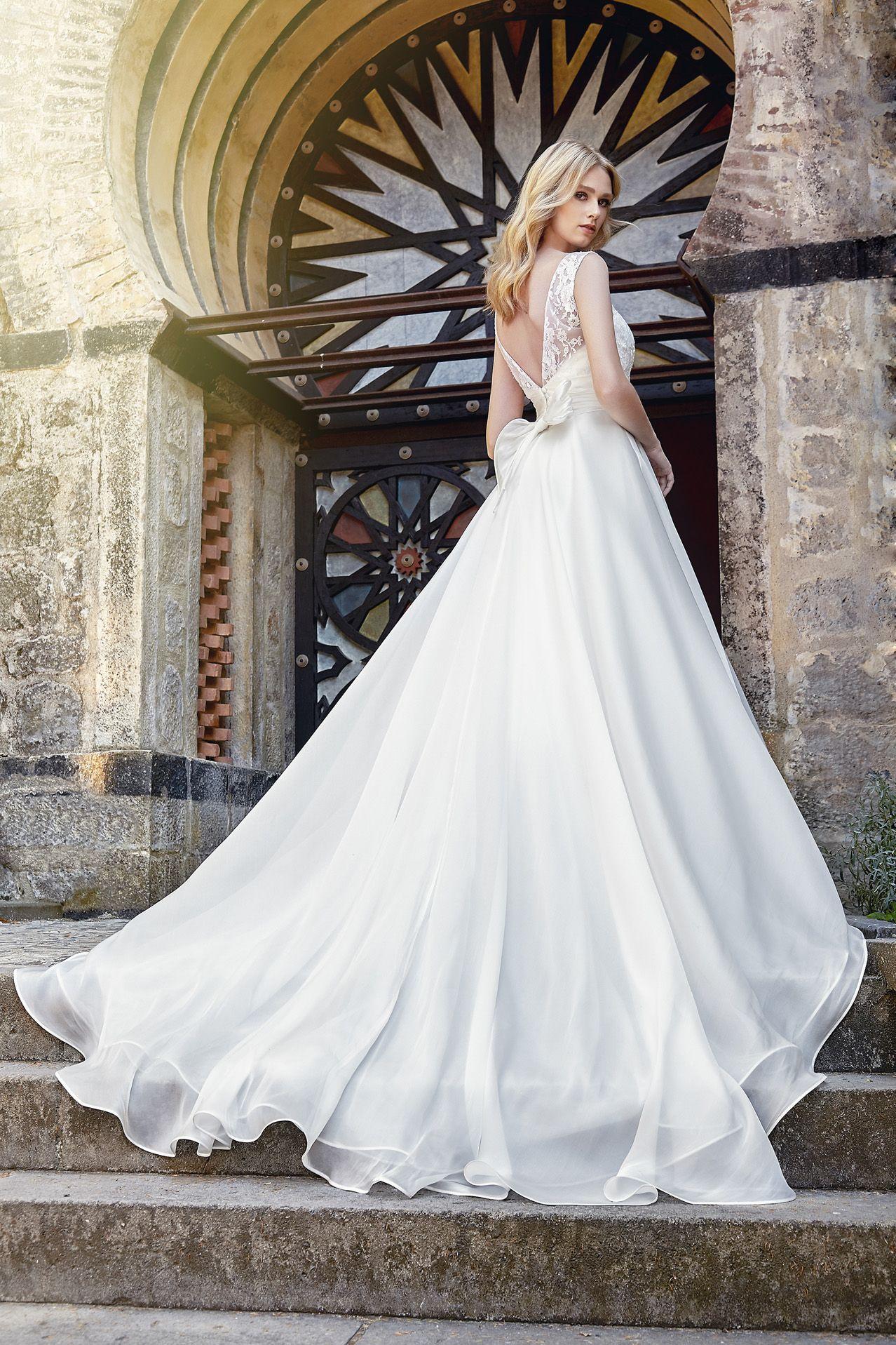 924eb6604ea2 MODELLO SB 0318 Stupendo abito da sposa in organza voile di seta pura e  bustino in