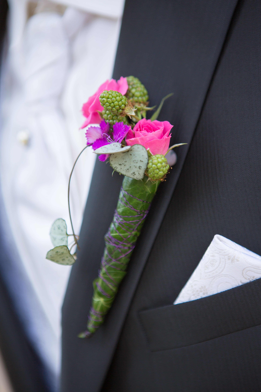 Schlichter Anstecker Fur Brautigam Korperschmuck Floral