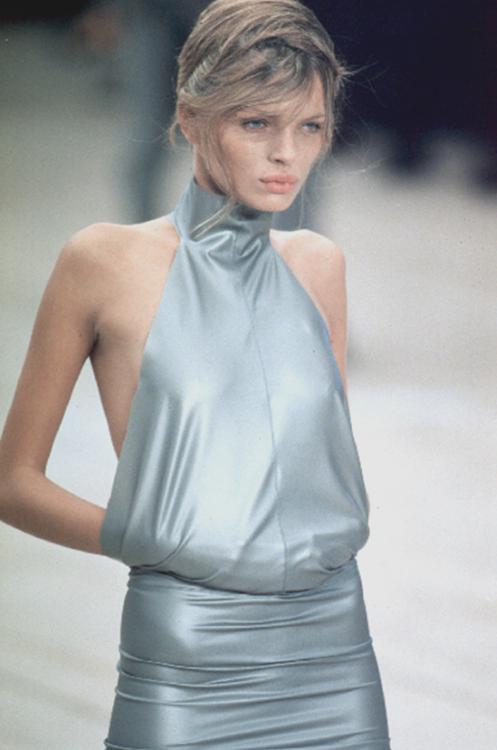 satinandtat: Jodie Kidd at Alexander McQueen Spring 1999