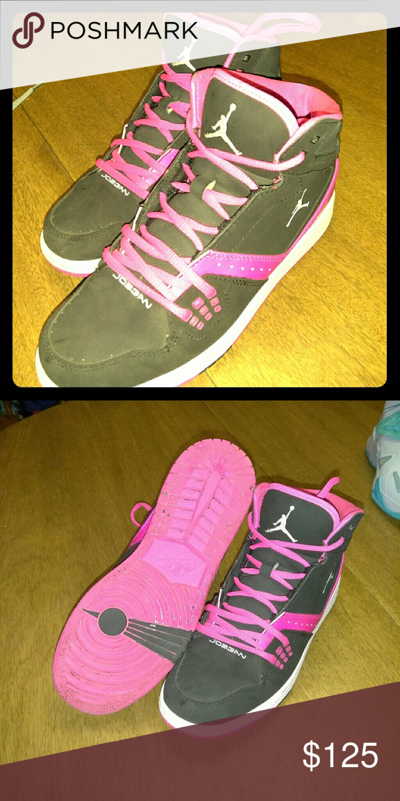 8a04142905c Ponk amd blsck jordons Worn once Jordan Shoes Athletic Shoes | My ...