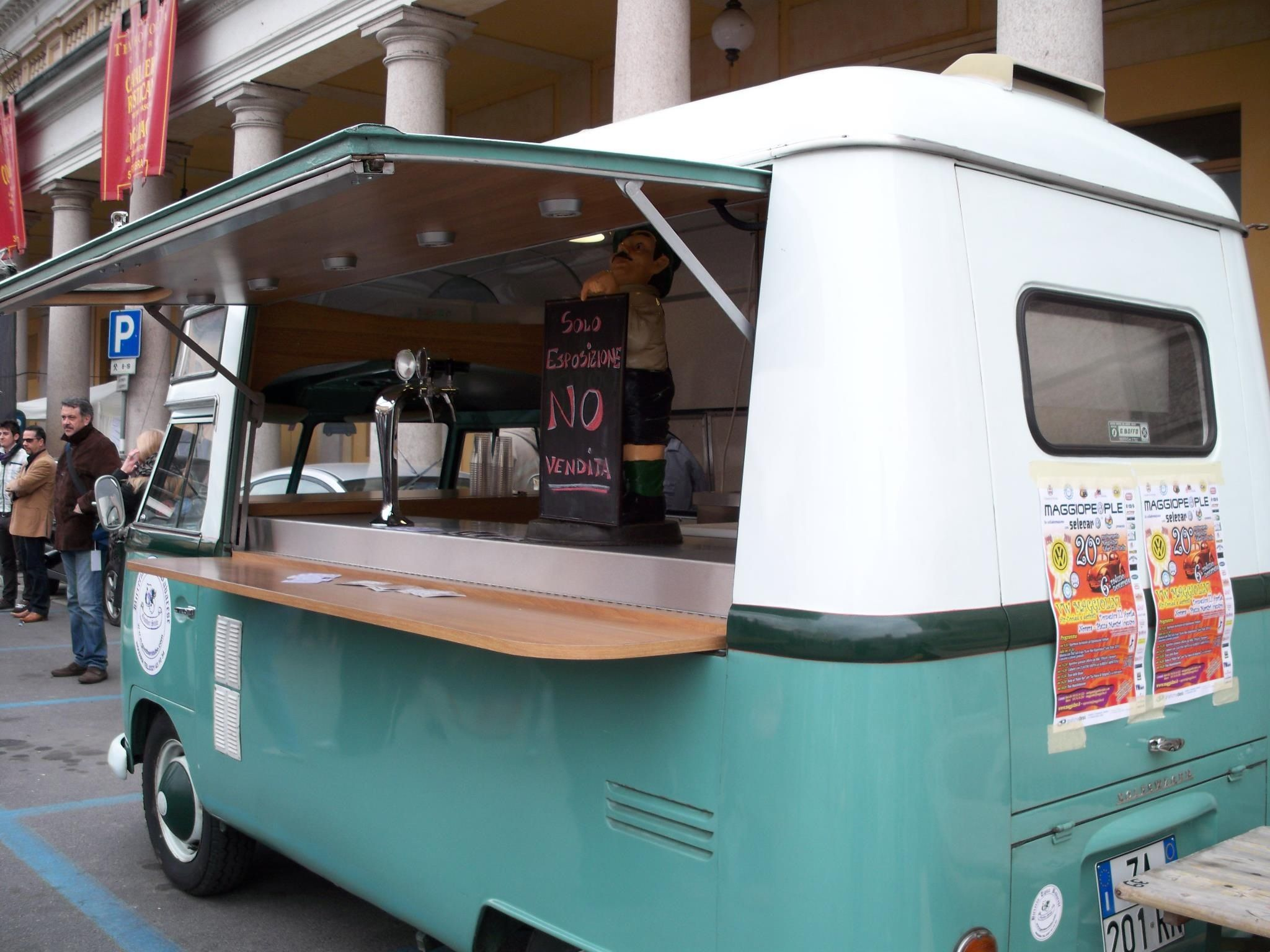 High roofs are delicious Coffee food truck, Food truck