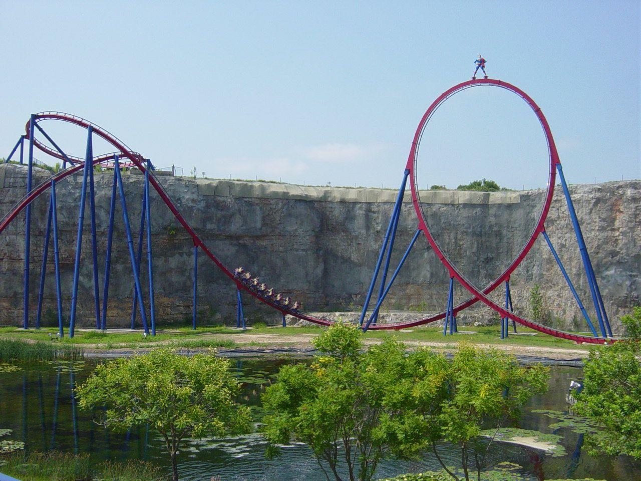 Giant Loop On Superman Krypton Coaster At Six Flags Fiesta Texas San Antonio Cleverly Built Into The Side Thrill Ride Six Flags Fiesta Texas Roller Coaster