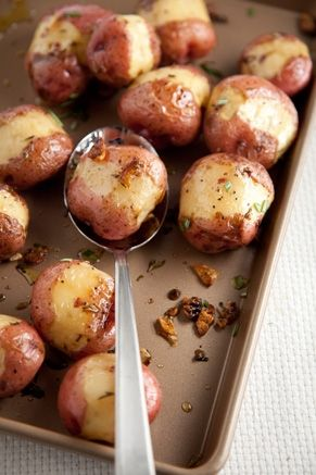 Paula Deen Oven Roasted Red Potatoes with Rosemary and Garlic #potatoes #recipes