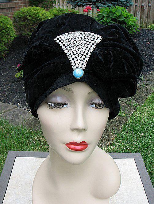 VINTAGE 1920s FLAPPER TURBAN / CLOCHE HAT, SOFT BLACK VELVET #1730 #FLAPPERTURBANCLOCHE
