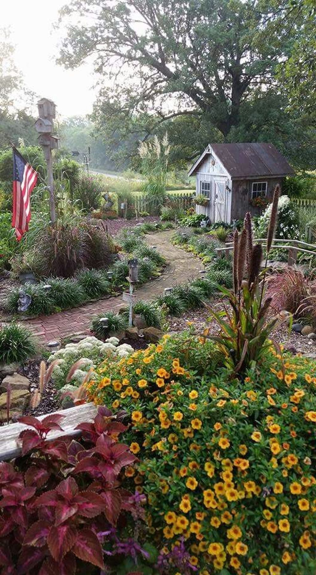 Cozy And Relaxing Country Garden Decoration Ideas You Will 640 x 480