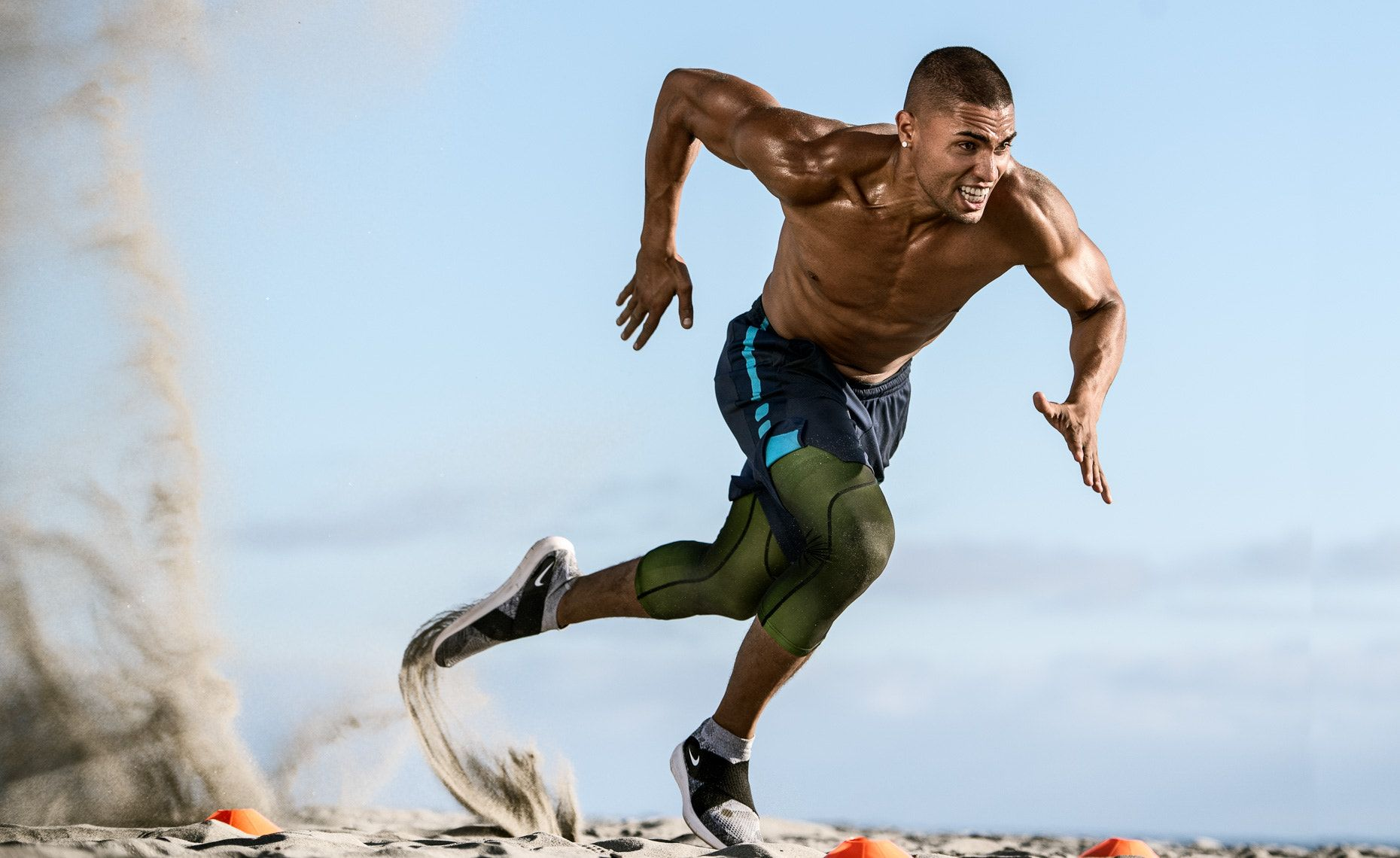 Beach Fitness Male Fitness Model Works Out On The Beach In Encinitas California Beach Workouts Fitness Photography Fitness Photoshoot