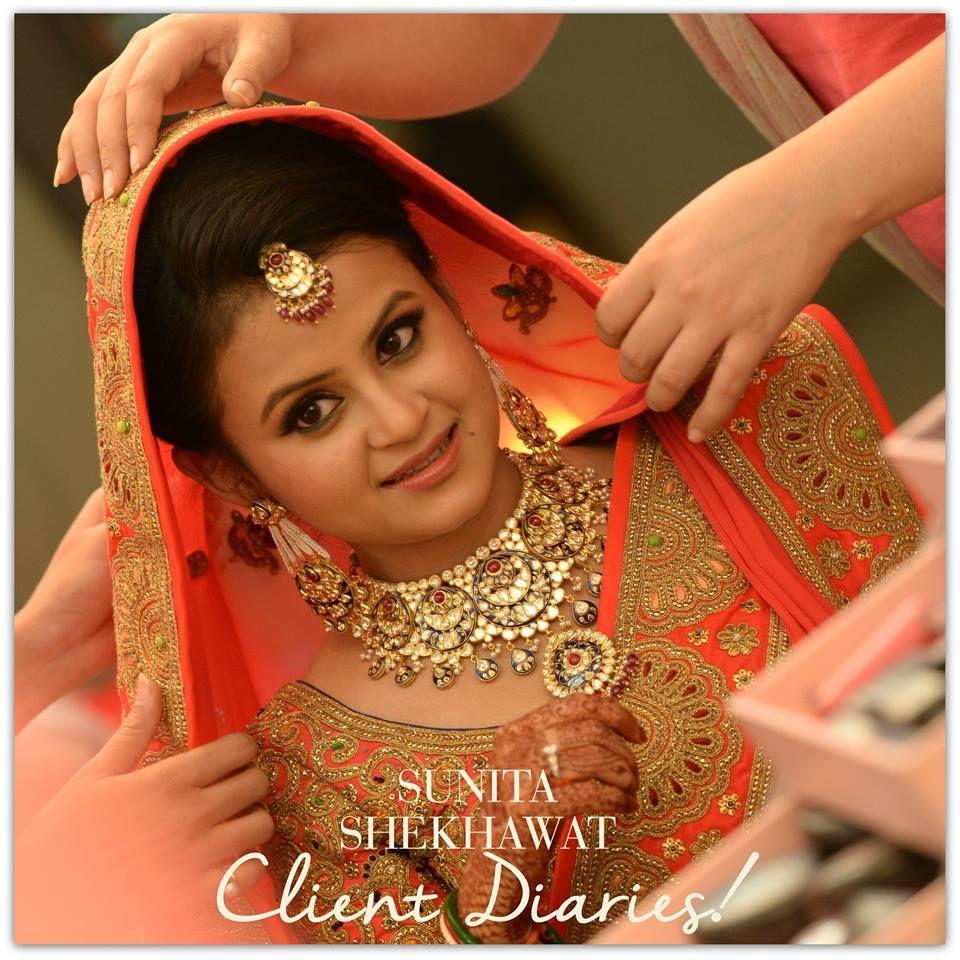 Sunita_Shekhawat Earrings | Indian bridal hairstyles, Indian bridal sarees, Simple bridal hairstyle