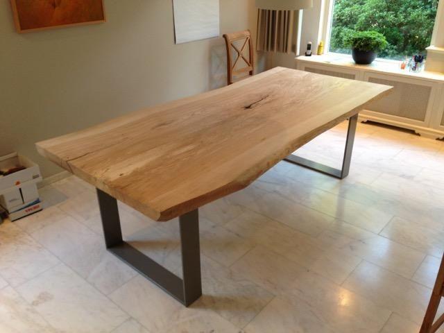 Ik wil graag een onderstel laten maken voor een houten tafel zoals