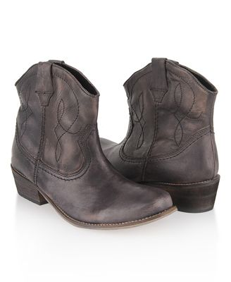 Leather Cowboy Ankle Boots #Shoes #Boots #CowboyBoots #Forever21