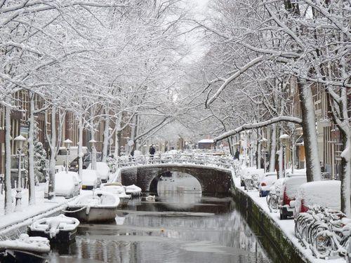 Winter in Amsterdam Oudezijds Achterburgwal