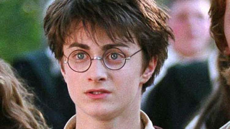 Plot Holes In Harry Potter Fans Couldn T Help But Notice In 2021 Harry Potter Harry Potter