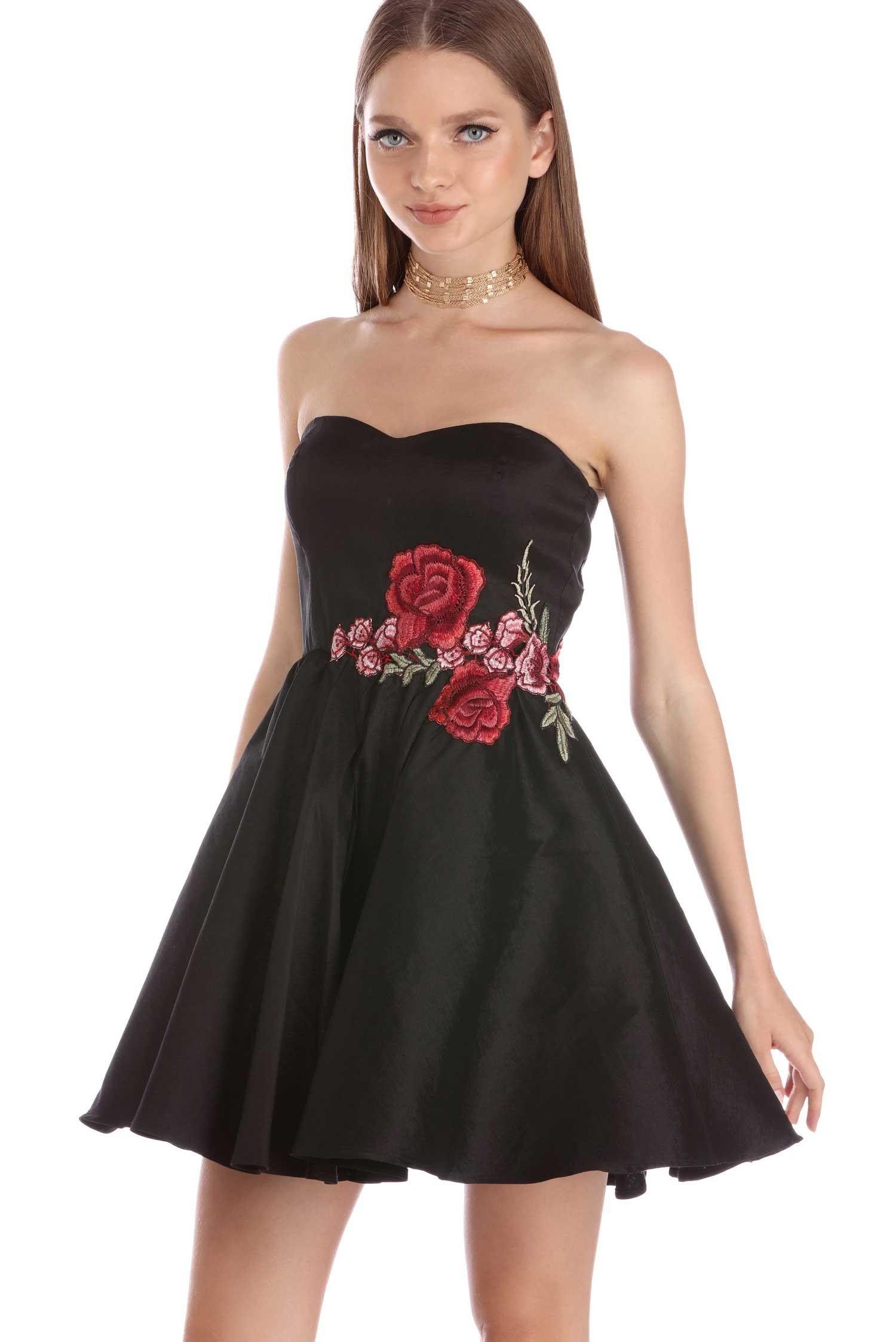 Dianne Black Rose Applique Skater Dress With Images Dresses Fashion Hoco Dresses [ 2247 x 1500 Pixel ]