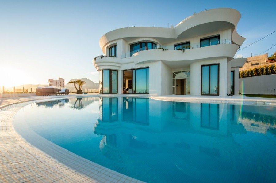 3.900.000 €. Spectacular designer villa with fantastic sea