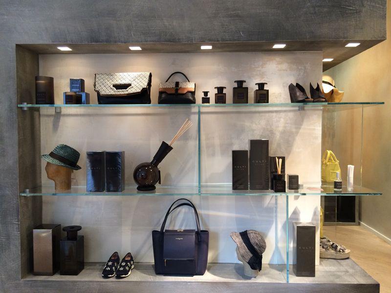 Allestimento  #event #party #culti #specialthursday per #latendaexperience #fashion #art per #expo2015 #expoincitta #milano. #latendaboutique #breradesigndistrict #designweek #mdw15 #fuorisalone2015 — presso LA TENDA | via Solferino 10 Milano.