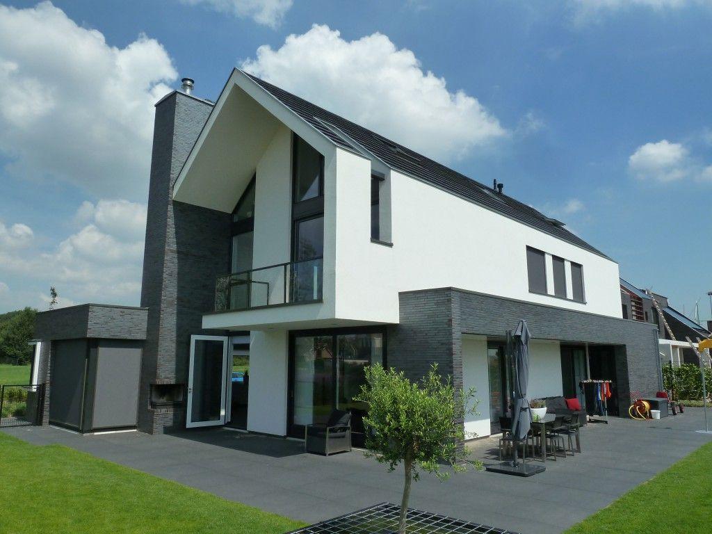 Kleur steen kleurcontrast verschillende vormen bv de robuuste schoorsteen dikke kap - Moderne kleur huis ...