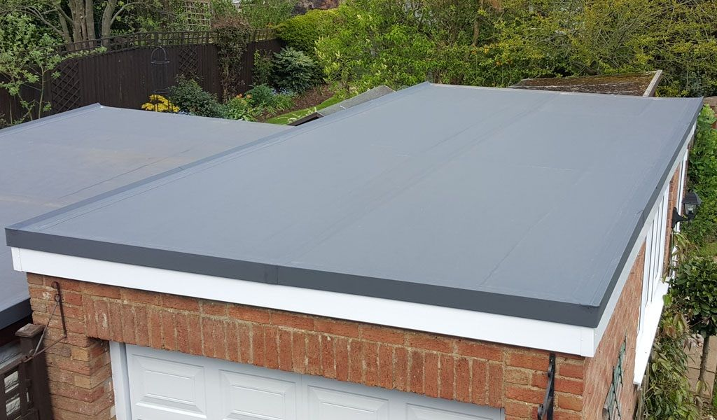 A Flat Roof Installation Contractor Will Make Sure That They Always Have Insurance Coverage An Flat Roof Installation Flat Roof Replacement Flat Roof Materials