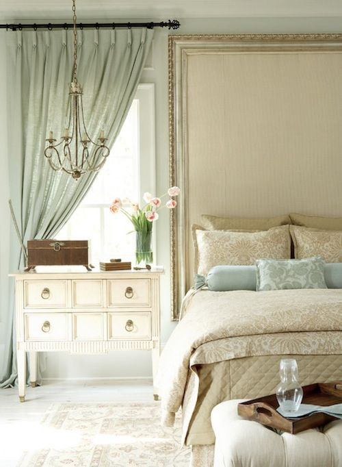 spring-bedroom-idea-colorful-interiors.jpg 500×682 pikseliä