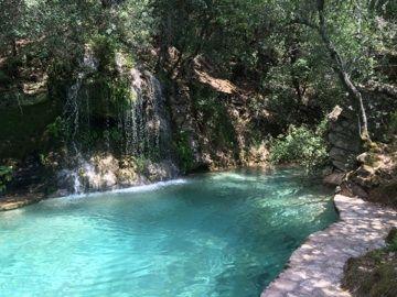 Es Guix Restaurant With Natural Pool Restaurant Mit See Aus Naturlichem Bergwasser Mallorca 5starshome Mallorca Restaurantes