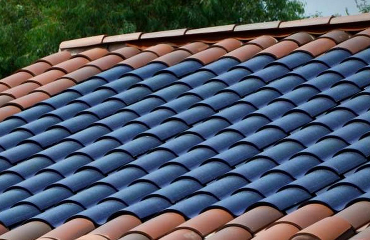 Geen losse zonnepanelen meer op het dak, maar zonnecellen verwerkt in dakpanelen of dakpannen. Als dat kan stappen nog meer mensen over op zonne-energie. Het zal niet lang meer duren voor ze op de markt verschijnen. Voor sommige mensen zijn zonnepanelen op het dak een statussymbool. Een teken dat je verstandig omgaat met het milieu. …