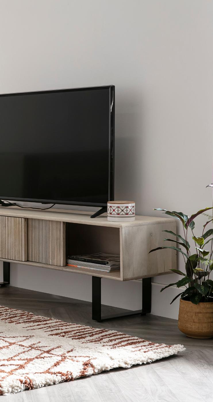 Meuble Tv En Manguier Massif Et Metal Iter Miliboo En 2020 Mobilier De Salon Chambre Design Deco Interieure