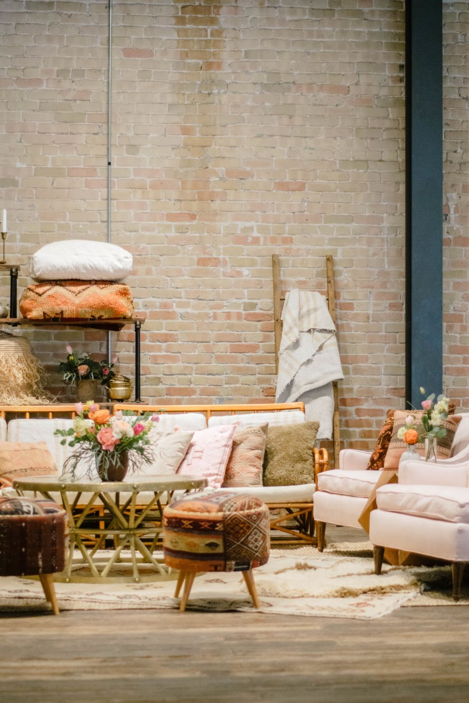 4 Ways To Add Texture In A Lounge Vintage Industrial Decor